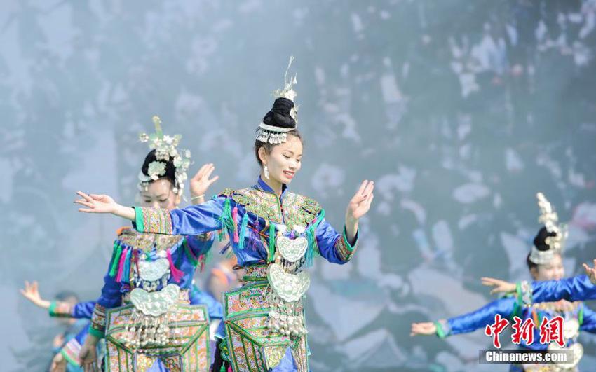 무형문화재로 지정된 '동년' 즐기는 구이저우 동족들