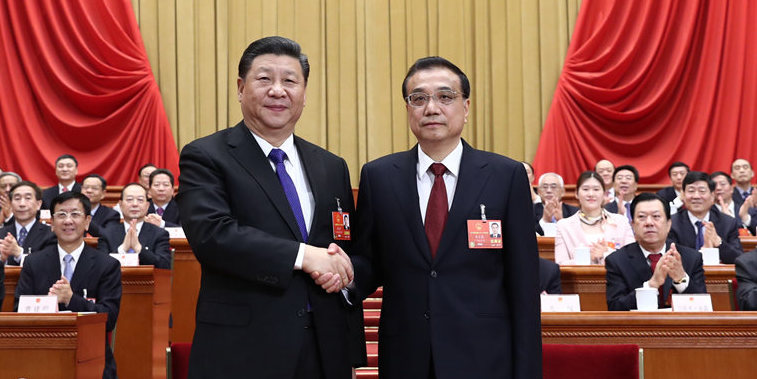 시진핑 국가주석-리커창 국무원 총리 다정한 악수