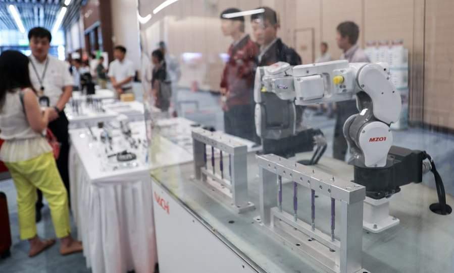 新华网-第二届进博会设备展区买方卖方事前对接.jpg