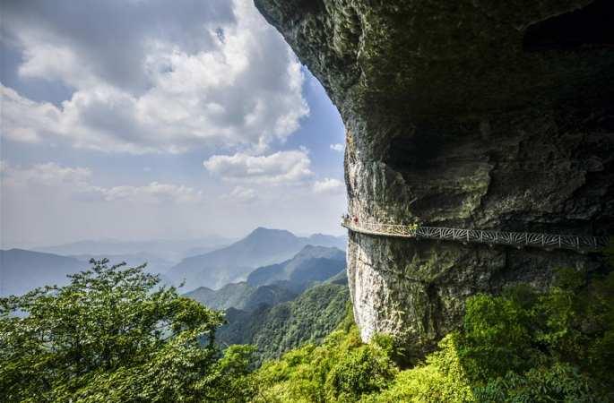 충칭 진포산: 카르스트 지형의 기이한 풍경