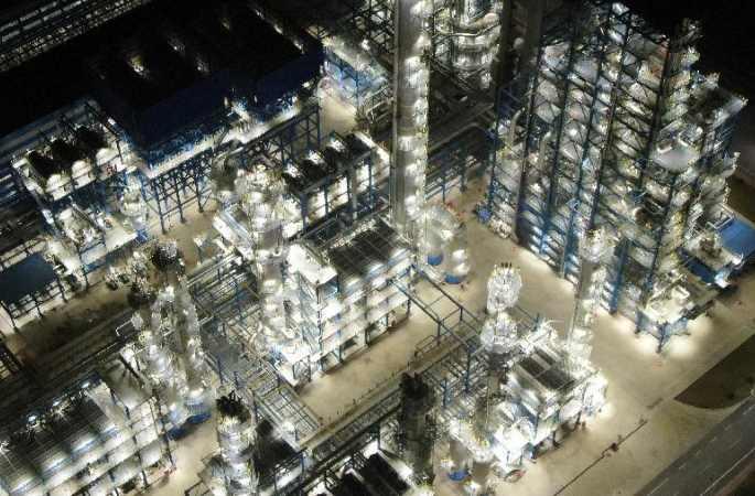 현대화 공장의 야경